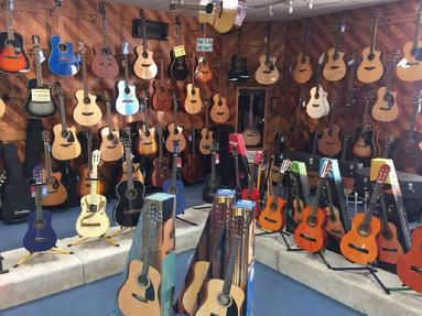 Hobbs, NM, acoustic, guitar, cutaway electric, washburn, breedlove, takamine, stagg, tagima, fender